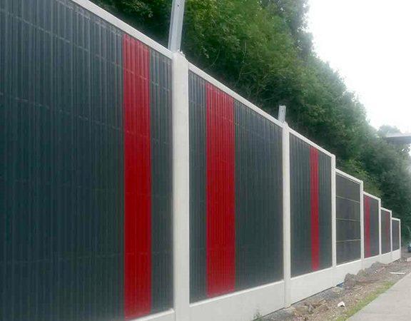 Aluminijske protihrupne obloge v crni in rdeci barvi