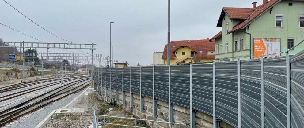 Dvostransko absoprcijska aluminijska protihrupna ograja Maribor