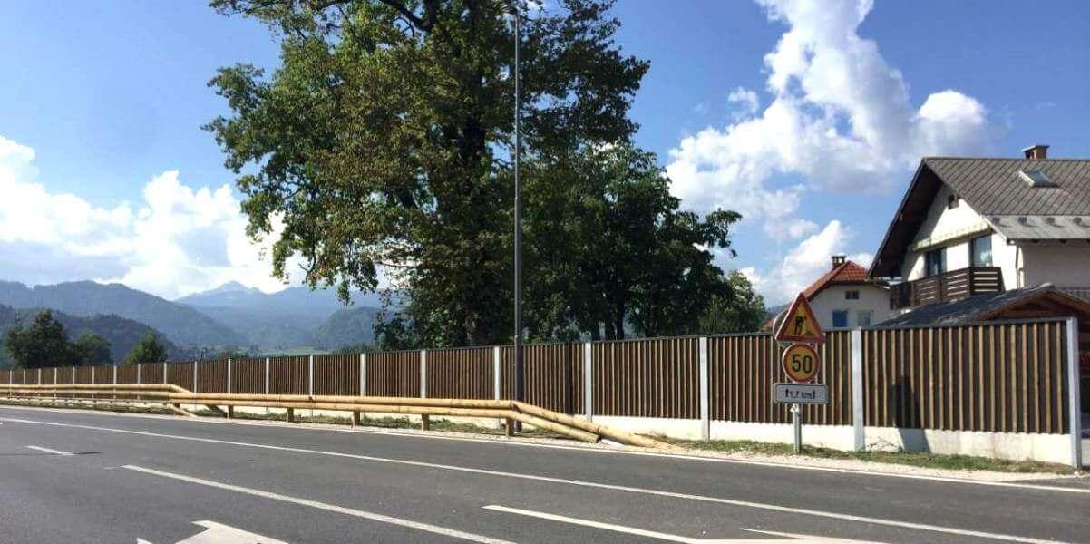 Lesena protihrupna ograja Bled
