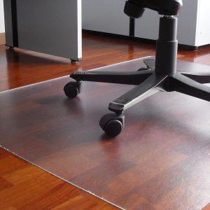 Transparentna zascitna podloga za pisarniske stole