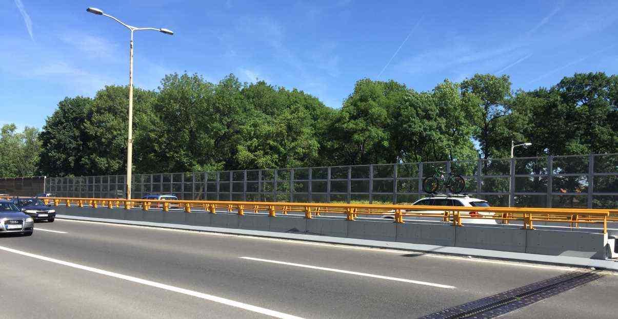 Transparentna ograja proti hrupu KBC Bezanijska Kosa Beograd
